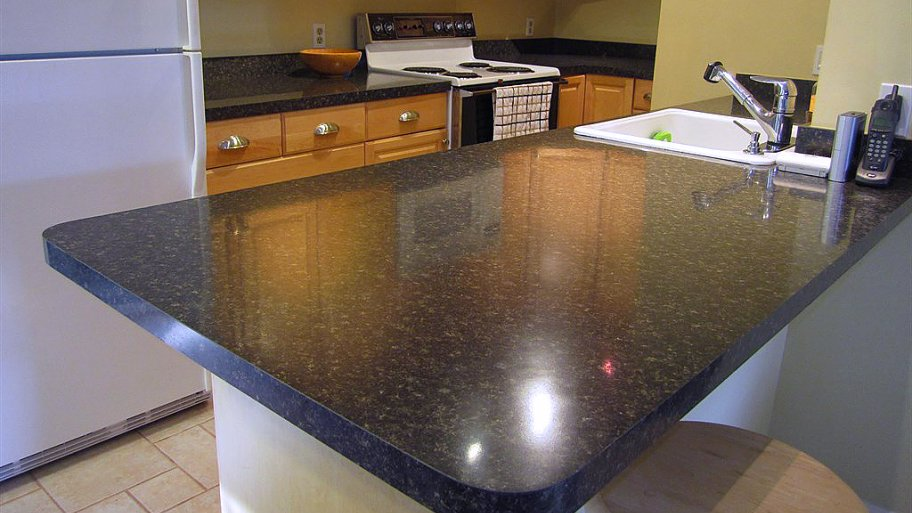 Six materials to stay away from in the kitchen shorewest for Granite cost per linear foot
