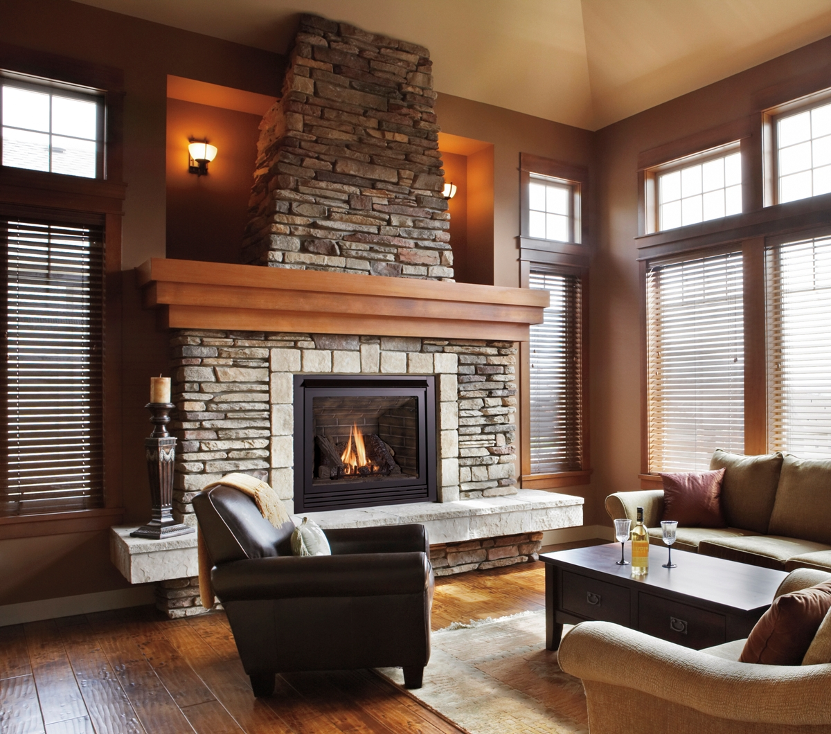 Living room wit fireplace in contemporary home