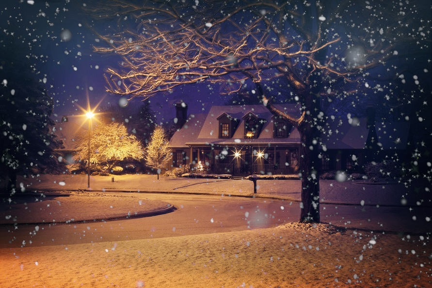Buying or Selling a Home During the Winter: What do you need to know